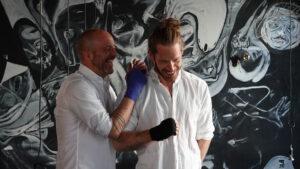 Simon-Hahnzog und Samuel Parsch im Kontakt - Seminar Boxen und Psyche - Foto Torsten Gauger
